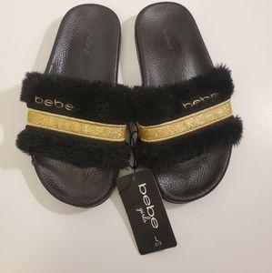 🌼HP🌼NWT Bebe Brand GirlsFuzzy Slip On Shoes